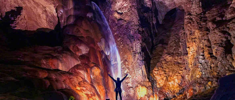 Espeleobarranquismo Cueva de Valporquero Tiki Aventura Turismo Activo Ocio y Tiemo Libre en León